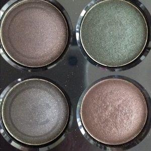 CHANEL Makeup - Chanel eyeshadow bundle